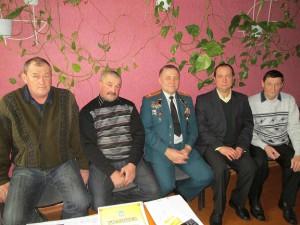 Зліва направо: воїни-афганці Гопкало М.А., Гопкало М. В., Кулик Г. І., директор школи Засенко І. В., воїн-афганець Ківало В. В.